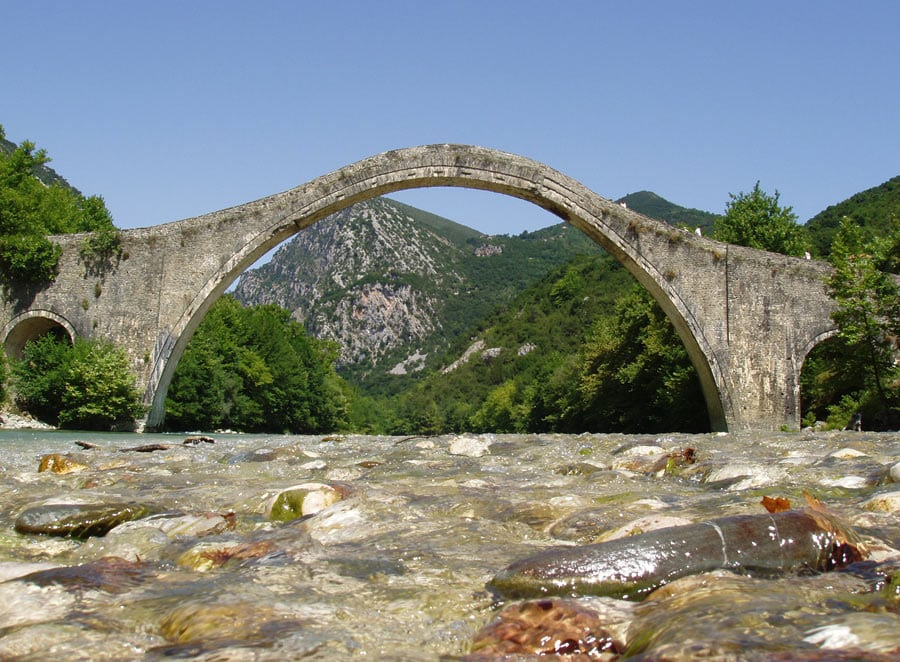 Plaka_Bridge_Epirus_Greece (1)
