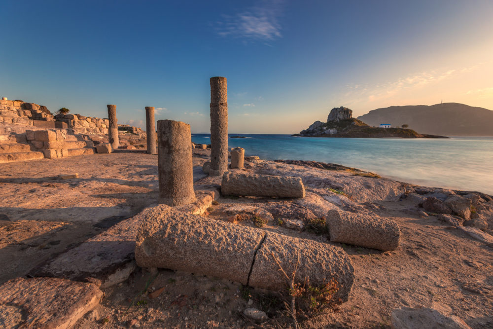 42 kilometers from the city of Kos, near the village of Kardamena and right on the Kamari beach, facing the small island of Kastri, lie the remains of two early christian basilicas of Saint Stefanos. The temples are dated to 469 A.D. and 554 A.D. They were discovered by the Italian archaeologist, Luciano Laurenzi and they consitute a signifficant sight due to their exceptional location, their size and their rich mosaics preserved to this day.