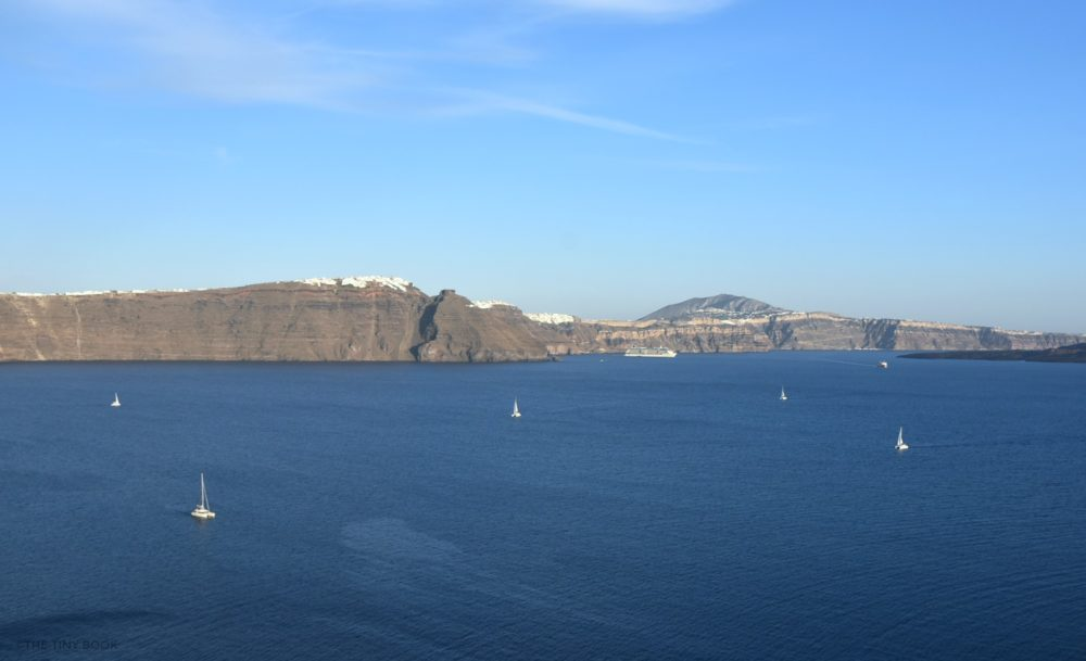 Sailing Oia