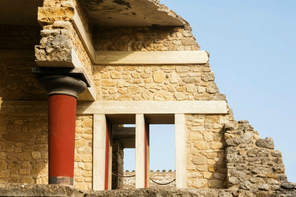 Knossos tours with GrecianLux